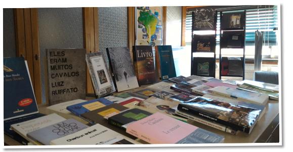 Bibliothèque Études portugaises, brésiliennes et d'autres pays lusophones